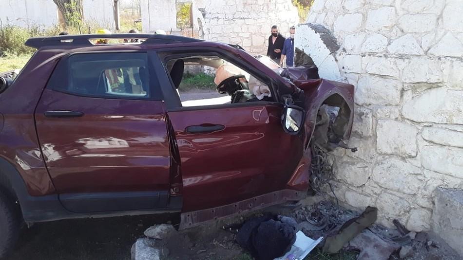 Militar intenta asesinar a su ex a puñaladas: Huye de la policía y muere al estrellarse