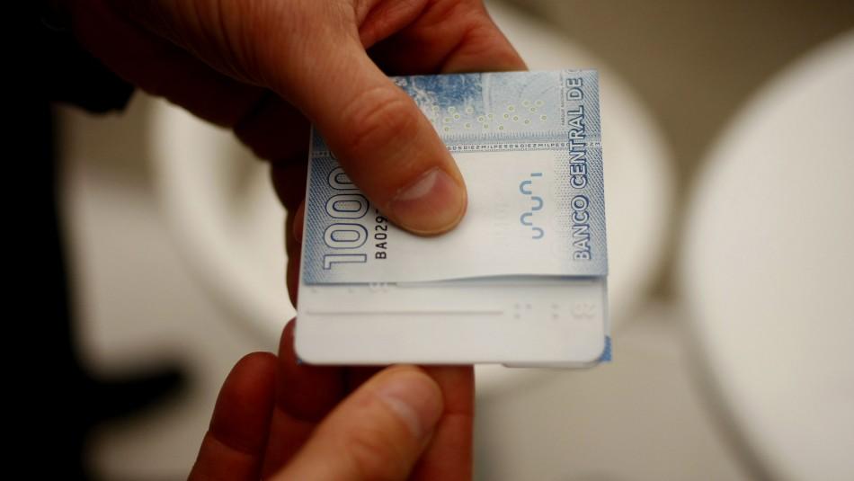 Bono con Cargo Fiscal: Revisa quiénes reciben un pago menor a $200.000