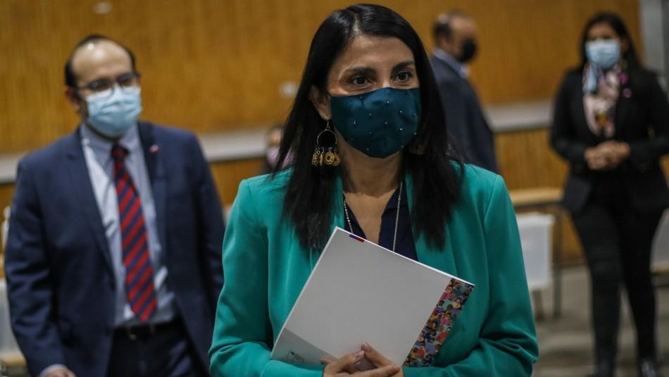 Ministra Rubilar en cuarentena preventiva tras ser contacto estrecho de caso de Covid positivo