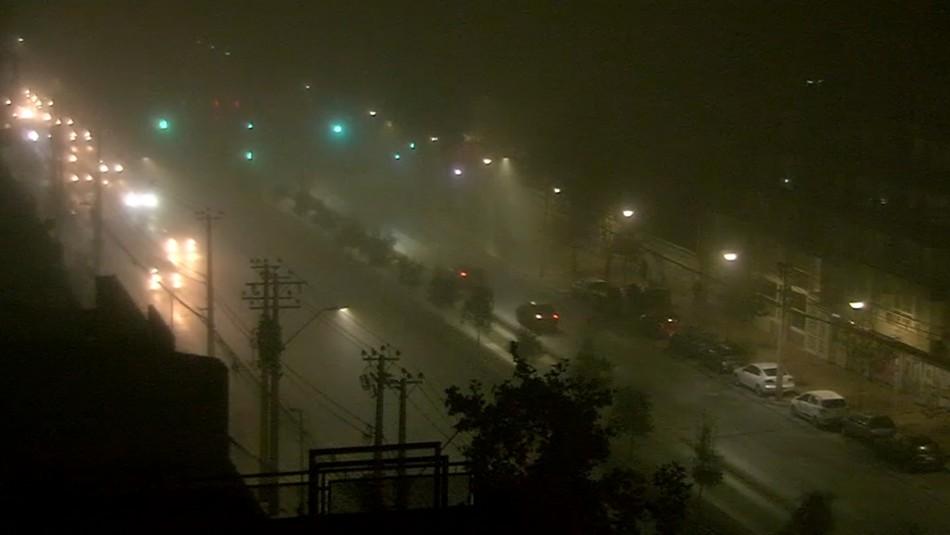 Con una densa niebla amanecieron algunas comunas de la Región Metropolitana