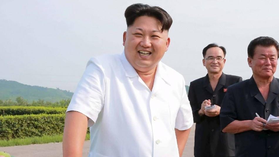 Kim Jong-un prohíbe los jeans ajustados por temor a que puedan
