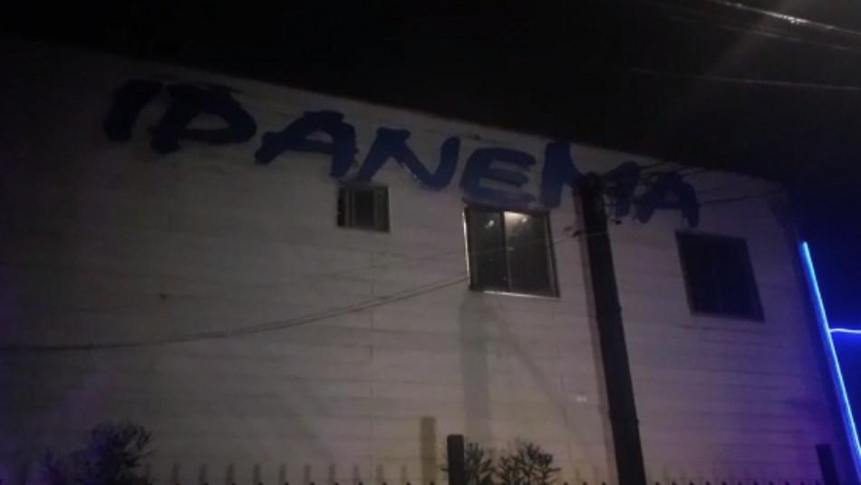 Mujer es encontrada muerta en motel de Talca: No descartan participación de terceros