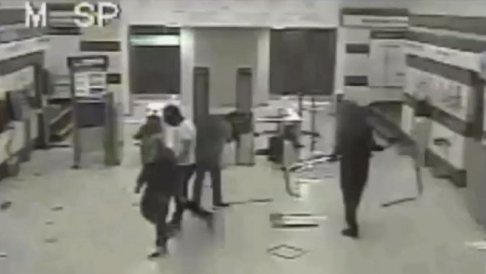 Estallido social: sentencian a 5 años de internación a menor por incendio a estación Pedrero