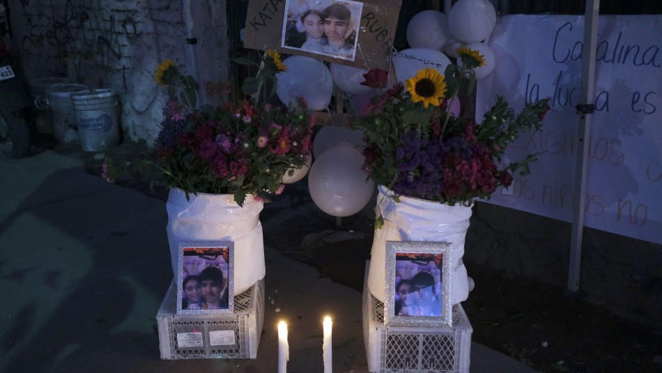 Velatón por hermanos asesinados en El Bosque: Cientos de personas se reúnen exigiendo justicia