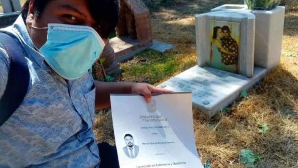 Joven cumple promesa a fallecidos padres.