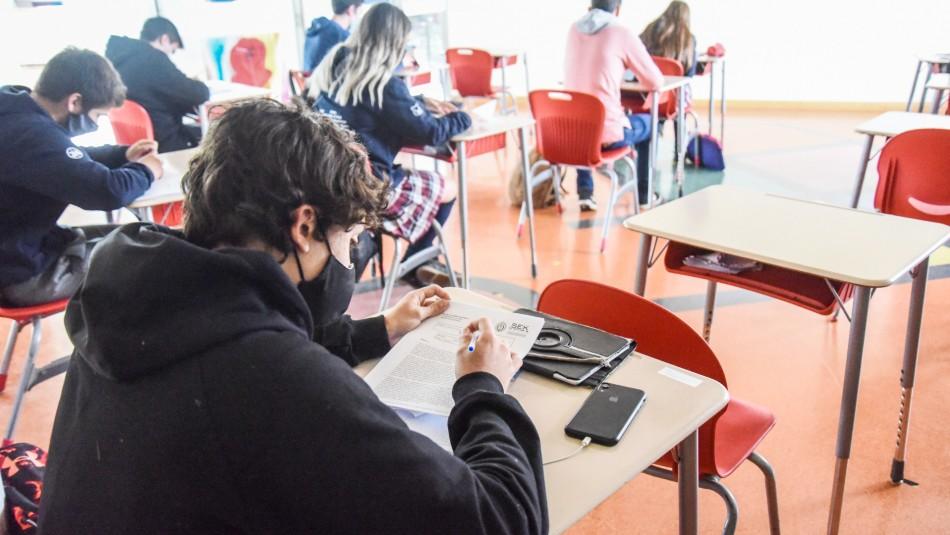 Preocupantes cifras: estudiantes de enseñanza media no alcanzan 60% de aprendizajes necesarios