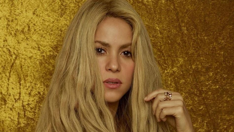 Shakira apuesta por minifaldas y muestra su versión más juvenil mientras prepara nueva canción