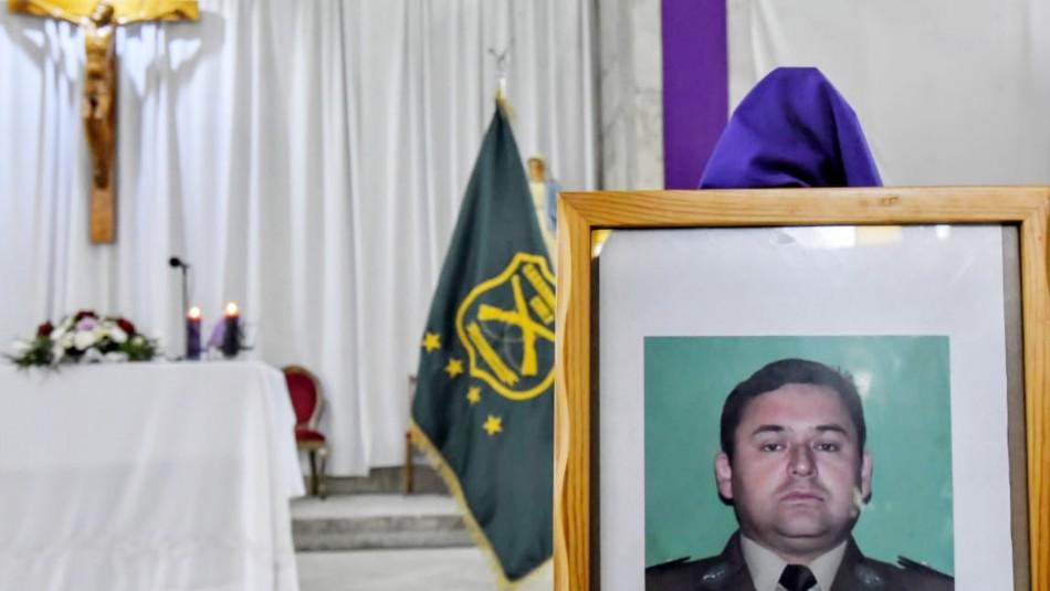 Piñera asiste a funeral del carabinero muerto en una emboscada en Collipulli