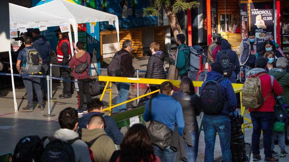 Alto flujo en terminal de Santiago en fin de semana debut del Pase de Movilidad