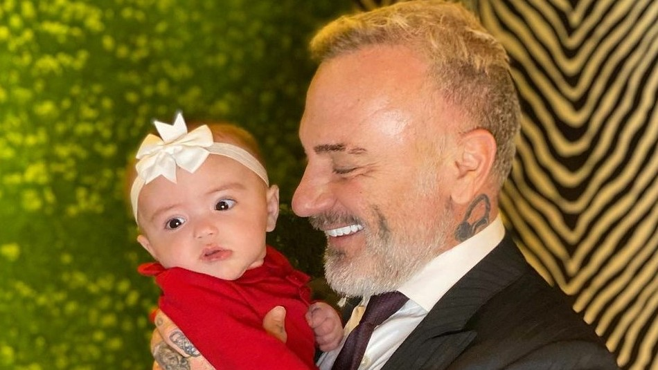 Gianluca Vacchi conmueve a sus seguidores con un poema que le dedicó a su hija: