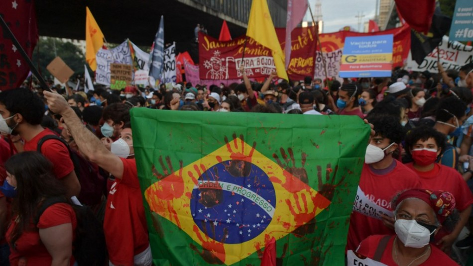Multitudinarias protestas en todo Brasil por el manejo de la pandemia de Jair Bolsonaro