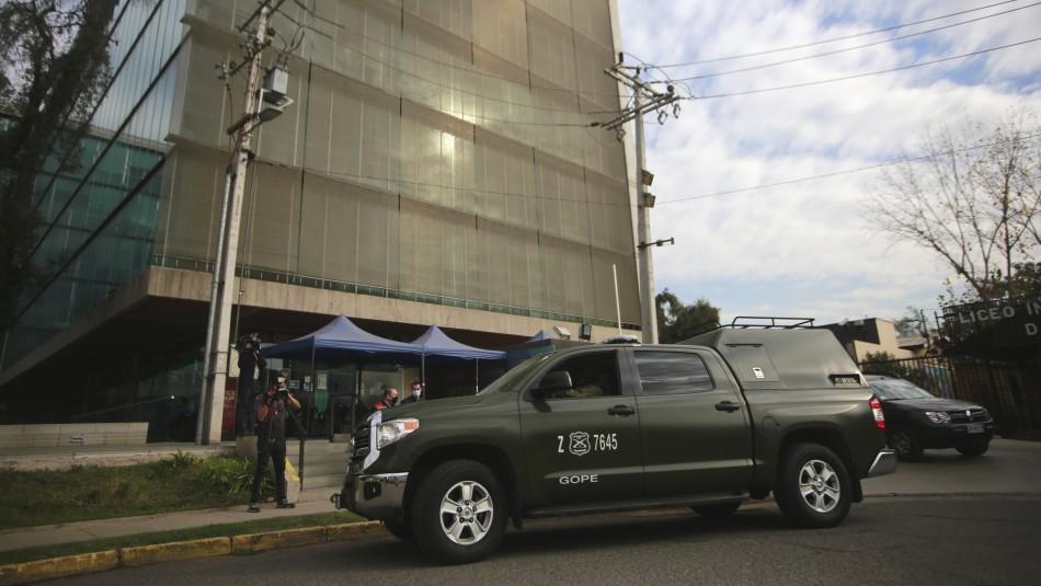 Falso aviso de bomba obliga a evacuar municipalidad de Recoleta