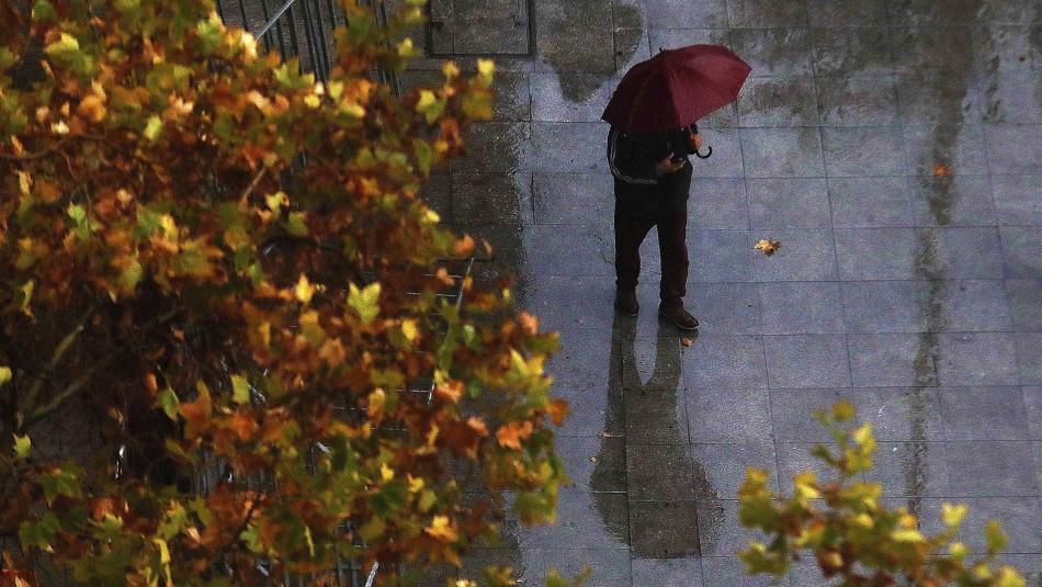 Lluvia en Santiago: revisa en qué sectores de la RM se esperan precipitaciones este martes