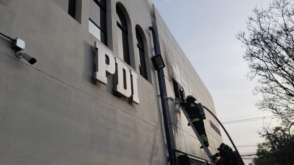 Incendio afecta a locales contiguos a cuartel de la PDI en Talca