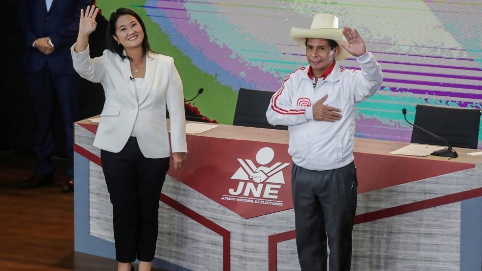 Elecciones en Perú: Abren centros de votación en reñido balotaje presidencial