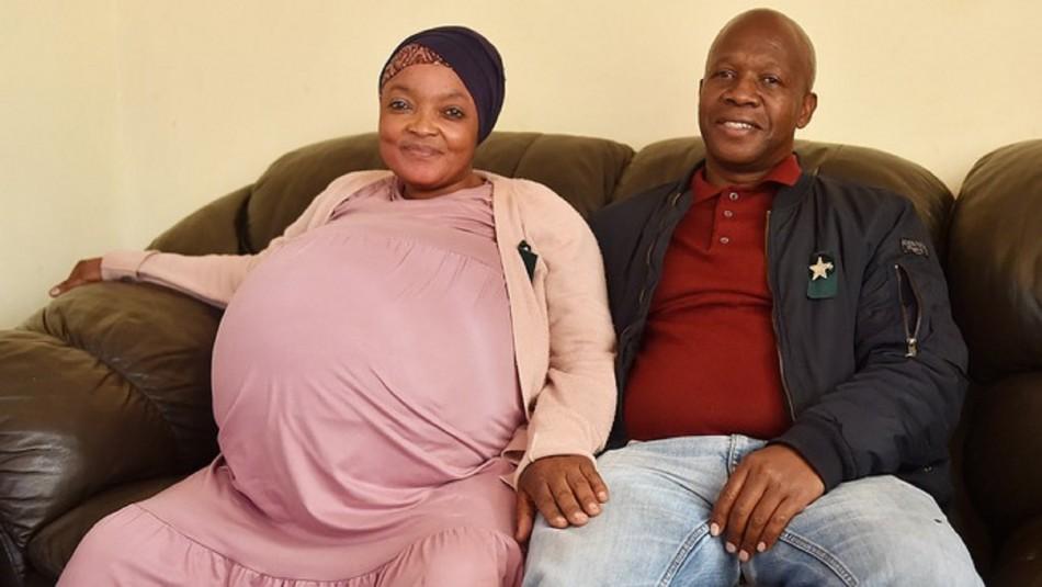 Mujer sudafricana da a luz a 10 bebés.