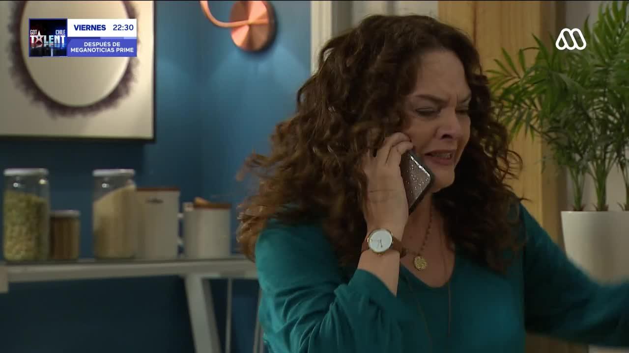 Agustina conversando con Rocío en