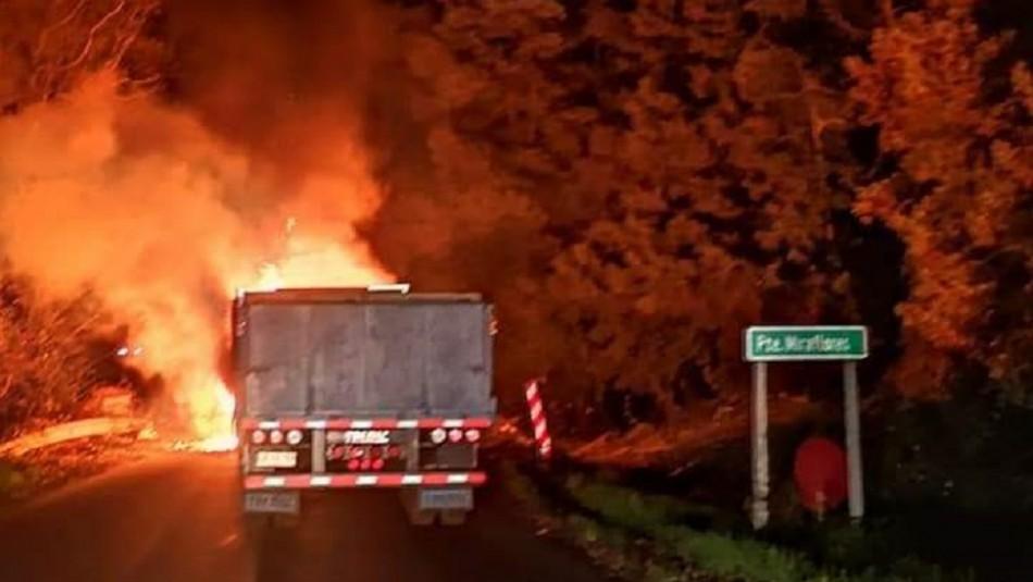 Al menos cuatro camiones fueron destruidos tras ataque incendiario en Angol