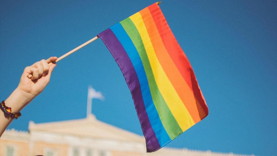 Torturan, apuñalan y queman durante una fiesta a un joven homosexual por tener VIH
