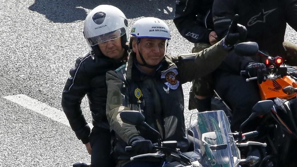 Bolsonaro es multado por incumplir medidas contra el coronavirus en marcha de motociclistas