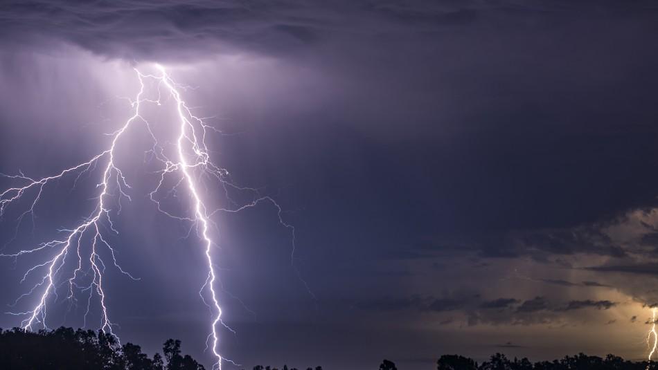 Incluye la RM: Meteorología anuncia probables tormentas eléctricas en cinco regiones del país
