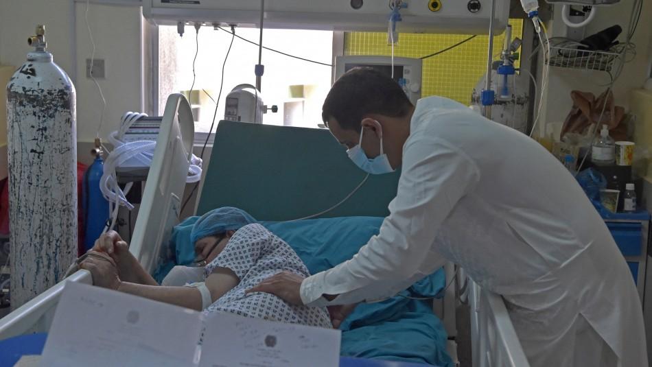 Variante Delta del Covid-19 duplica riesgo de hospitalización según estudio