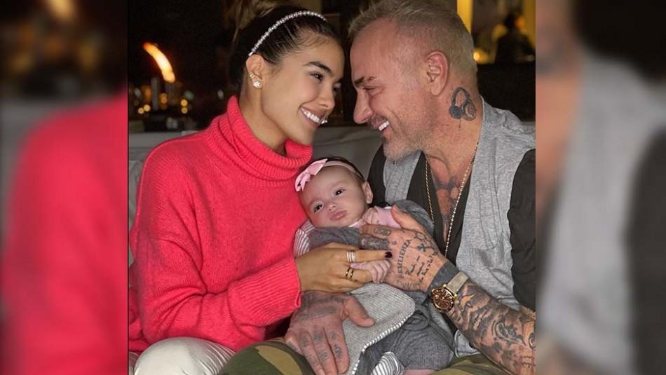La hija de Gianluca Vacchi y Sharon Fonseca disfruta de su primer día de piscina en su mansión