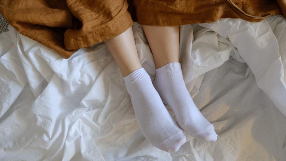 Lo dice la ciencia: Dormir con calcetines tiene beneficios para la salud