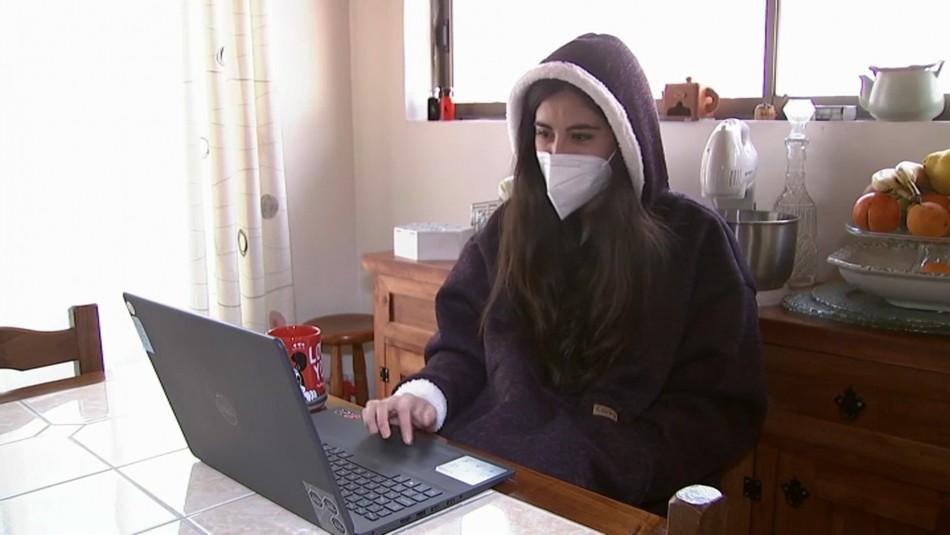 Polerones gigantes causan furor para capear el frío durante la cuarentena