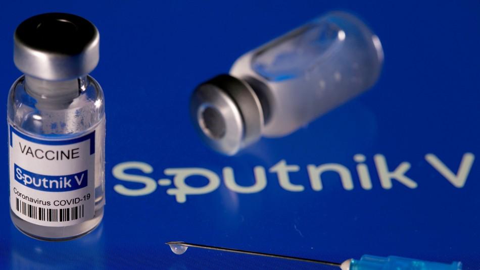 Creador de vacuna rusa Sputnik V: Insiste que protege contra todas las variantes del coronavirus