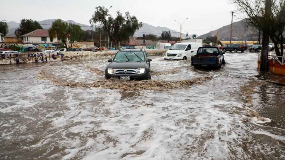 [VIDEOS] Fuertes lluvias provocan inundaciones y cortes de luz en Copiapó