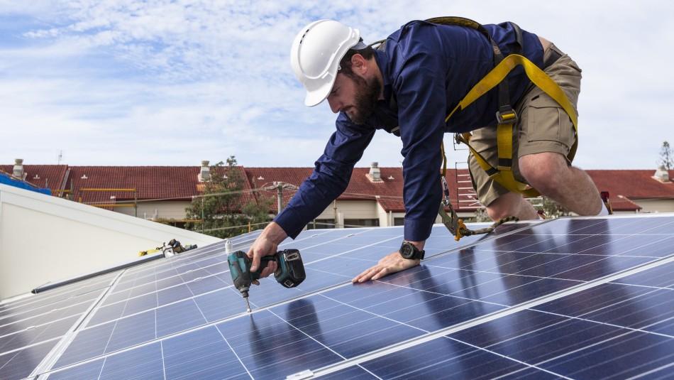 Casa Solar: Este es el sitio oficial para postular a la instalación de paneles fotovoltaicos