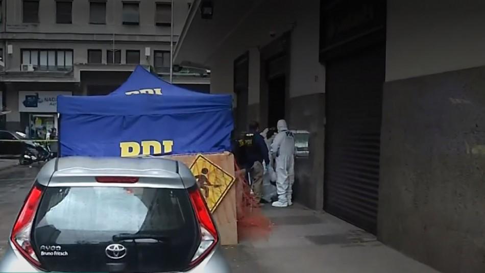 Arrestan a acusado de quemar y matar a hombre en pleno centro de Santiago.