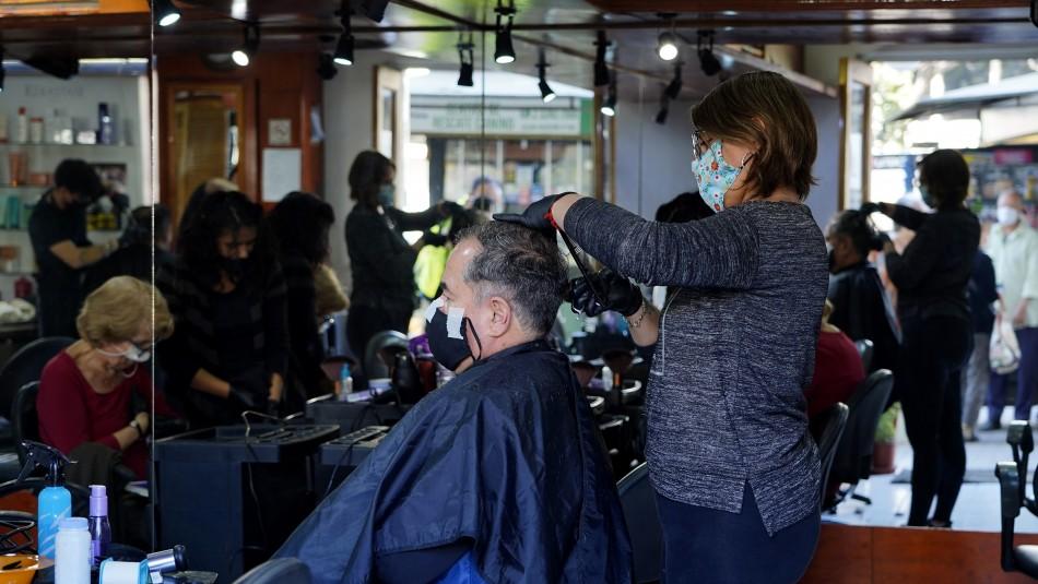 Anuncian subsidio de hasta $3 millones para peluquerías y permiso para funcionar en cuarentena