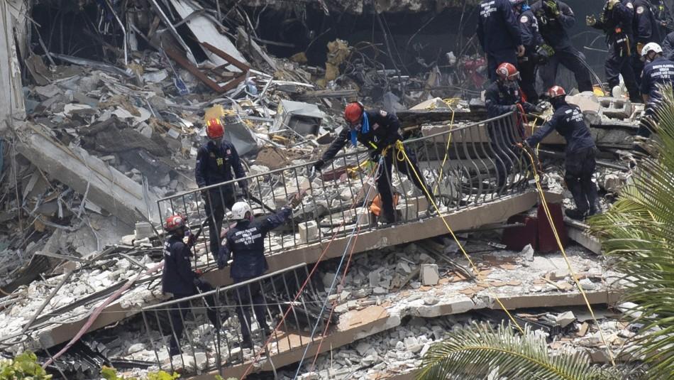 Con la pelvis rota: Madre logró rescatar a su hija entre los escombros de edificio en Miami