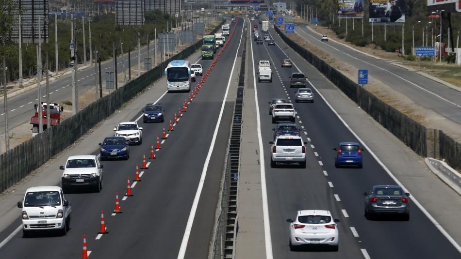 Balance fin de semana largo: Más de 109 mil vehículos han salido de la Región Metropolitana