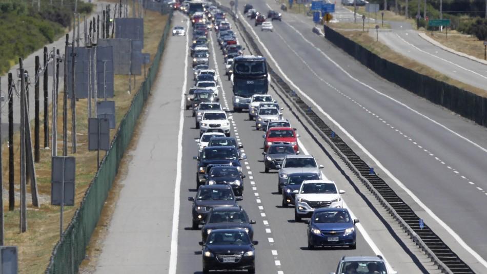 Fin de semana largo: Se reportan tacos kilométricos en distintas rutas hacia Santiago
