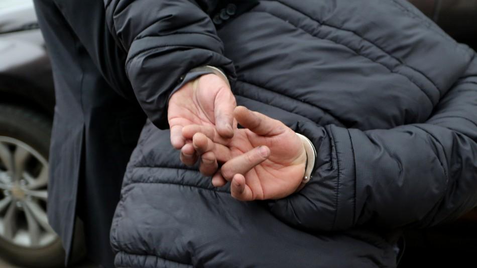 Acusado de estafa se escapa luego de que decretaran su prisión preventiva vía telemática