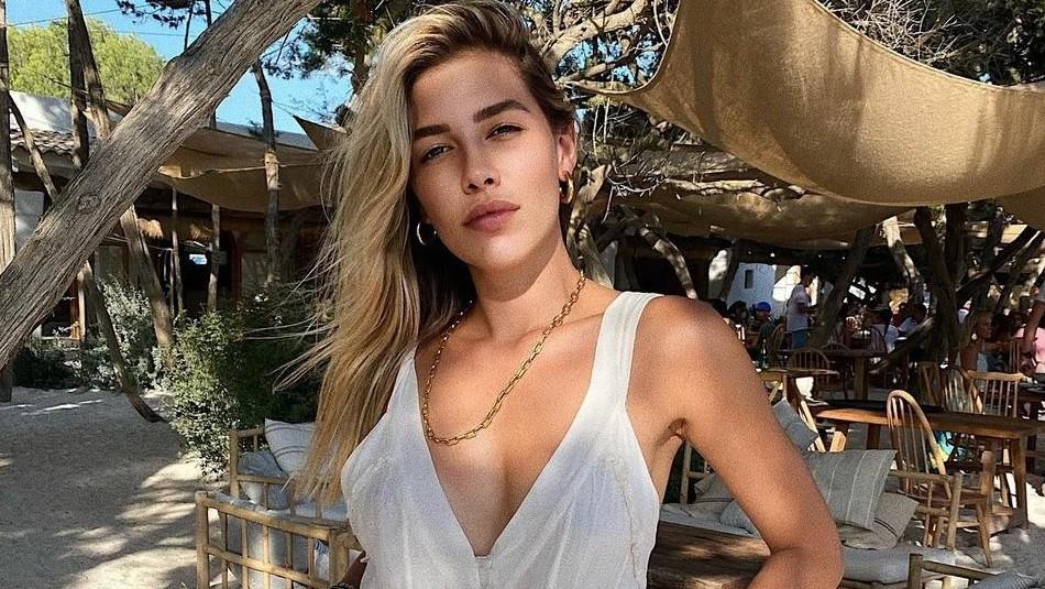 Fans critican a la hija de Luis Miguel por su estado físico durante sus vacaciones
