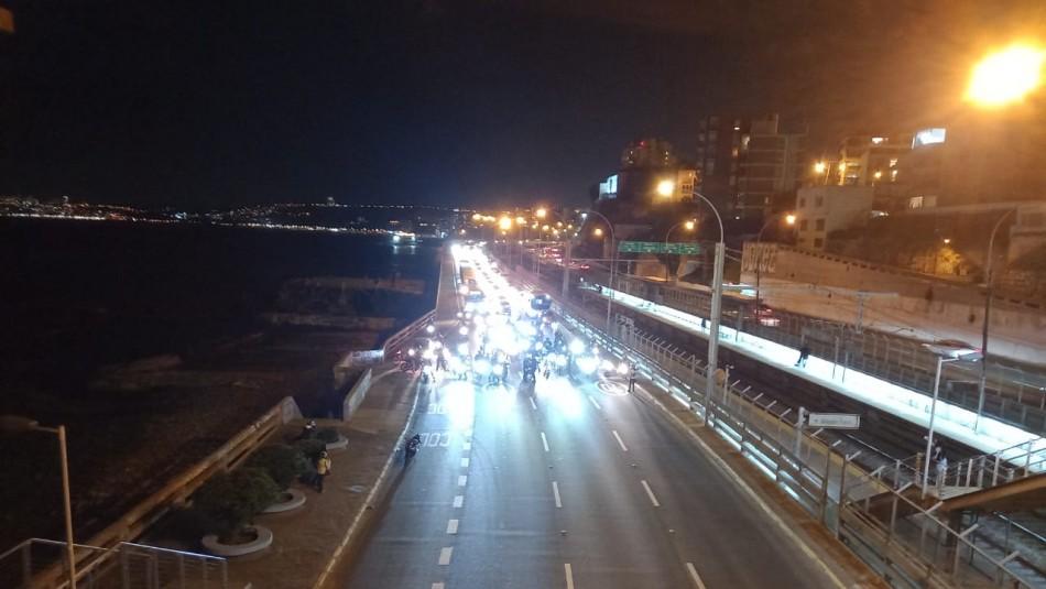 Manifestantes bloquean ruta La Pólvora a Valparaíso por alza de combustibles