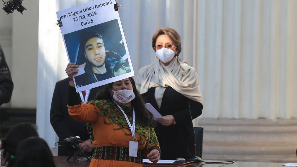 Elsa Labraña: ¿Quién es la constituyente que exigió que se detuviera la ceremonia inaugural?