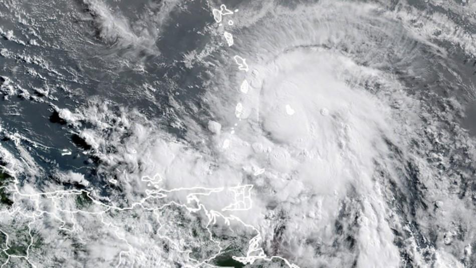 Tormenta Elsa llega a Cuba luego de dejar al menos tres muertos en el Caribe