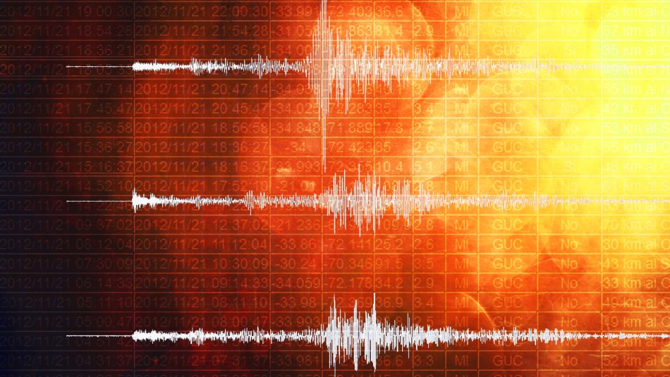 Director de Centro Sismológico por temblores en Huasco: