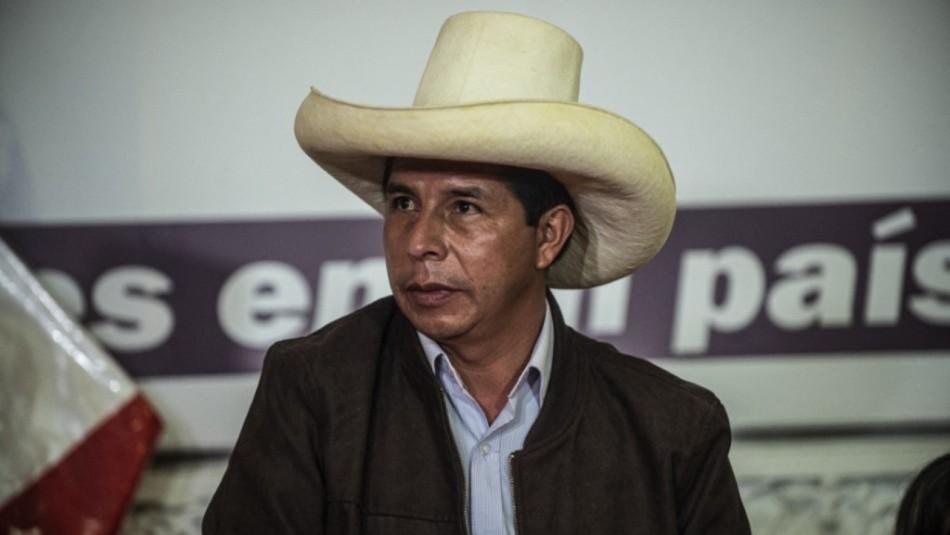 Pedro Castillo niega financiamiento irregular de su campaña en Perú