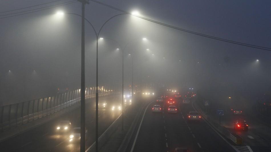 Densa neblina se registra en la Región Metropolitana