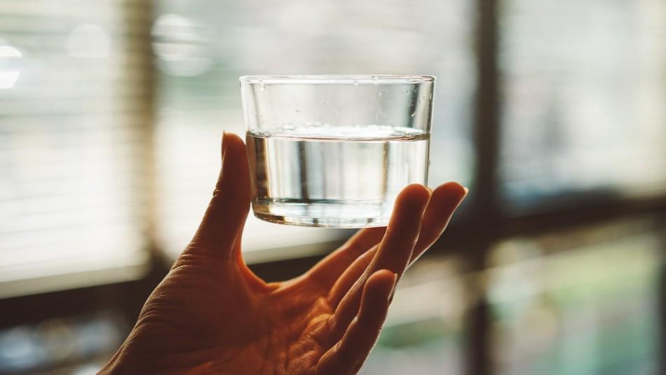 ¿Tomas suficiente agua? 5 señales de que estás deshidratado