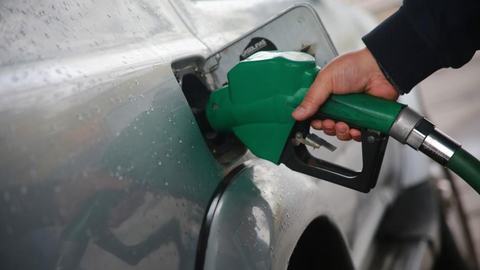 Comisión aprueba en general idea de legislar rebaja a impuesto específico de combustibles