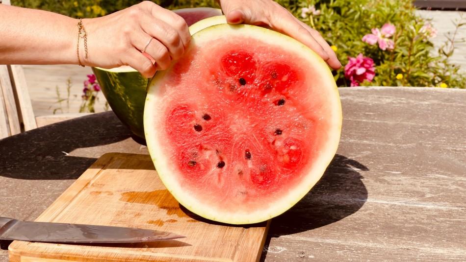 La fruta que te mantendrá hidratado y que tiene la menor cantidad de calorías