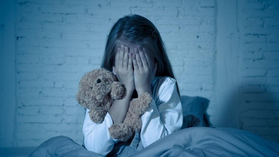 Niña de 12 años apuñala a su padre para que dejara de golpear a su madre