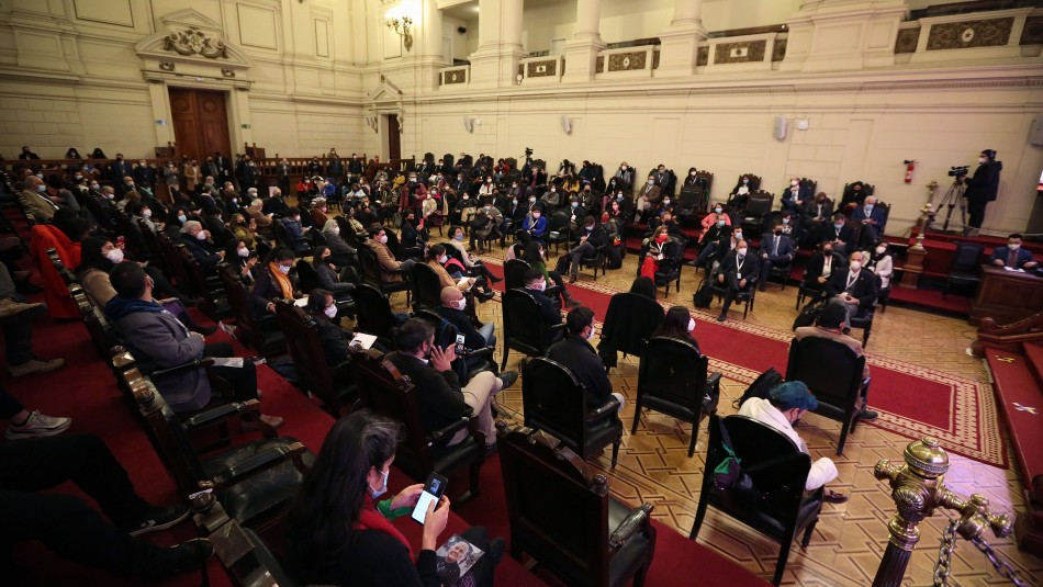 Cadem: 66% cree que la Convención Constituyente no debe intervenir en otros órganos del Estado